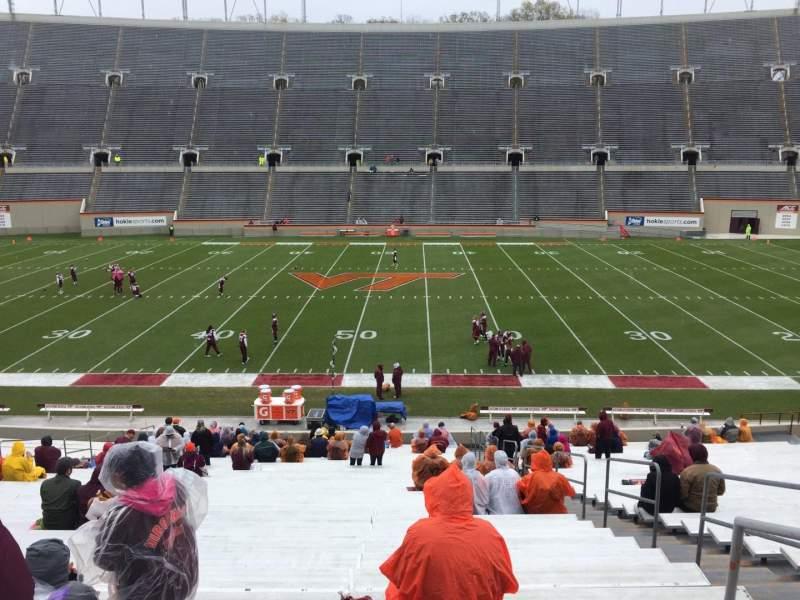 Lane Stadium, sección: 12, fila: MM, asiento: 3