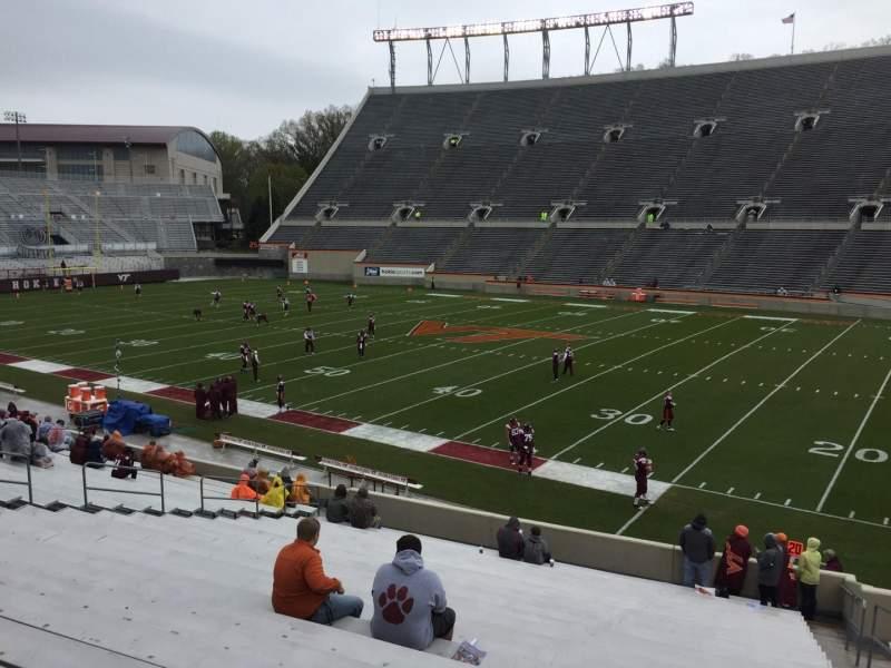 Lane Stadium, sección: 16, fila: CC, asiento: 5