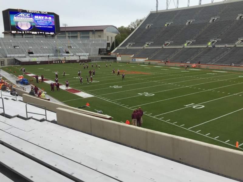 Lane Stadium, sección: 20, fila: X, asiento: 11