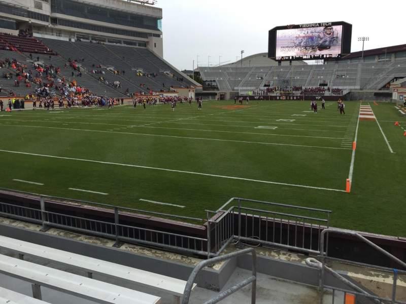 Lane Stadium, sección: 101, fila: F, asiento: 13