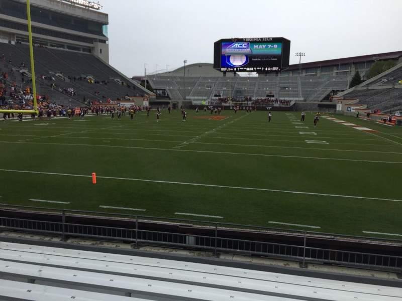 Lane Stadium, sección: 102, fila: H, asiento: 20