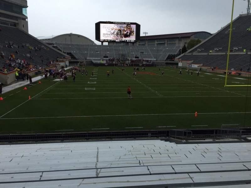 Lane Stadium, sección: 104, fila: R, asiento: 16