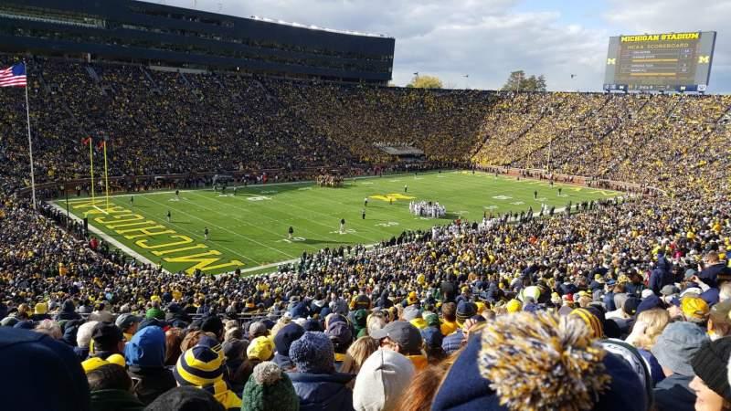 Vistas desde el asiento para Michigan Stadium Sección 7 Fila 76 Asiento 34