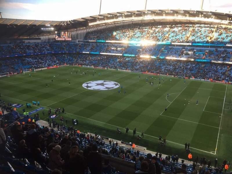 Etihad Stadium Manchester Sección 323 Fila M Asiento