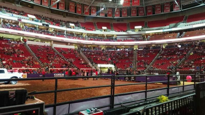 PNC Arena, sección: 104, fila: d, asiento: 9