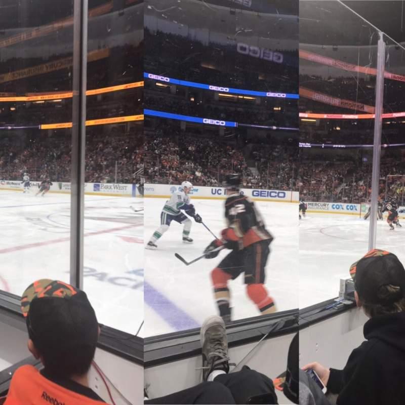 Honda Center, sección: 221, fila: B
