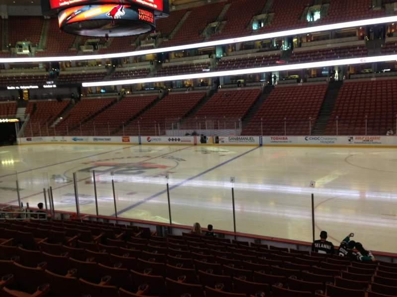 Honda Center, sección: 206, fila: 6, asiento: 4