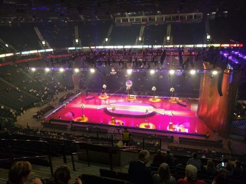 Vistas desde el asiento para Manchester Arena Sección 215 Fila m Asiento 5