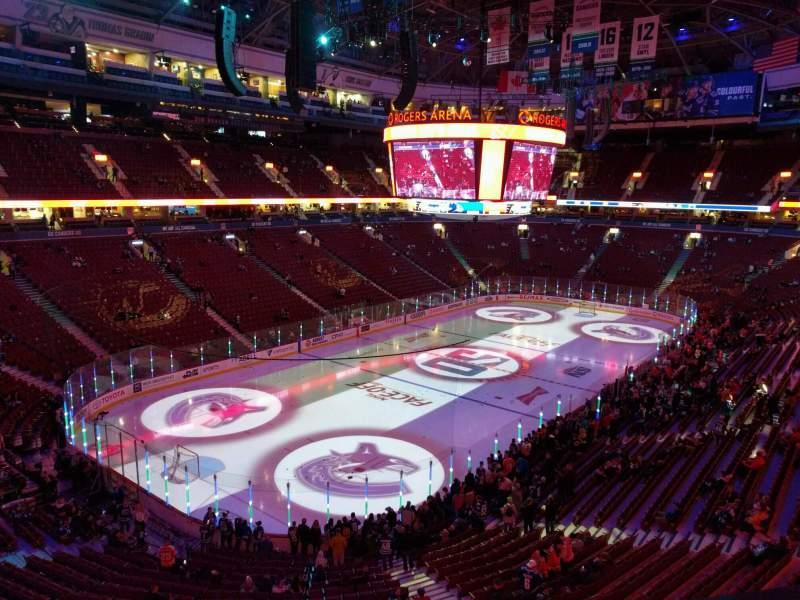 Vistas desde el asiento para Rogers Arena Sección 327 Fila 3 Asiento 107