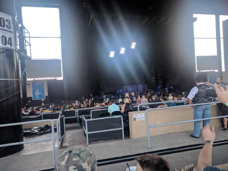 Vistas desde el asiento para Hollywood Casino Amphitheatre (Tinley Park) Sección 205 Fila MM Asiento 34