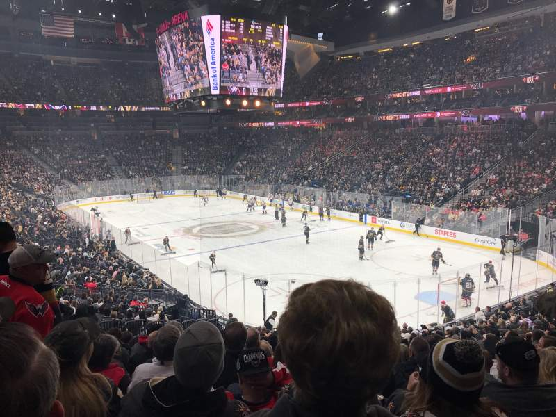 Vistas desde el asiento para T-Mobile Arena Sección 19 Fila W Asiento 9