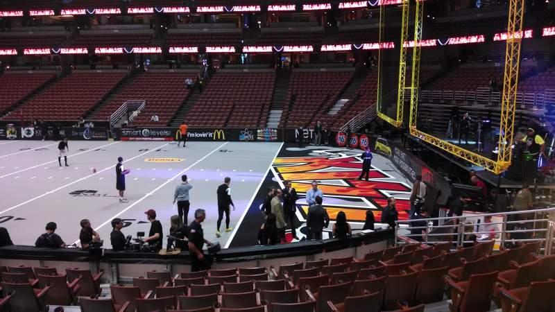 Honda Center, sección: 219, fila: L, asiento: 8
