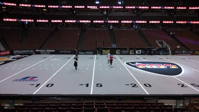 Honda Center, sección: 223, fila: L, asiento: 8