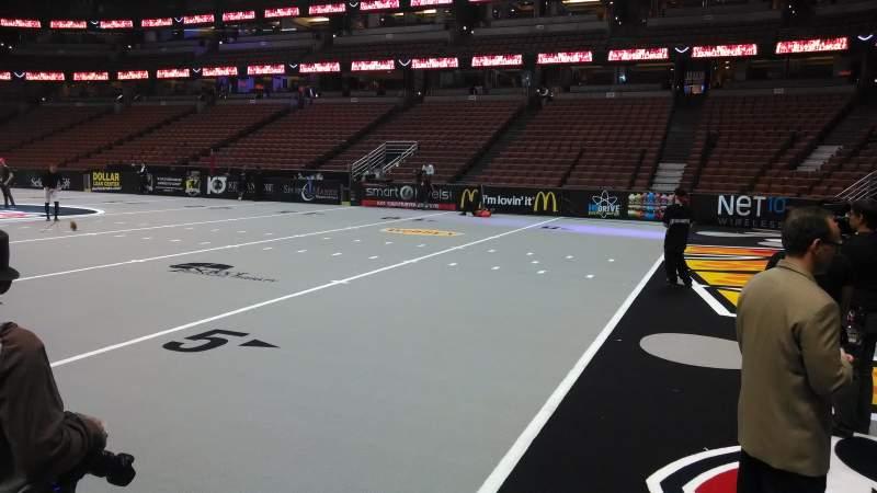Honda Center, sección: 219, fila: A, asiento: 8
