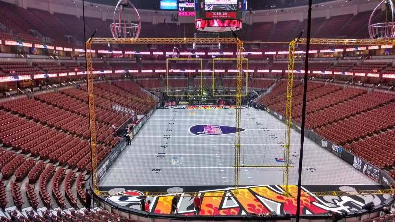 Honda Center, sección: 301, fila: C, asiento: 8