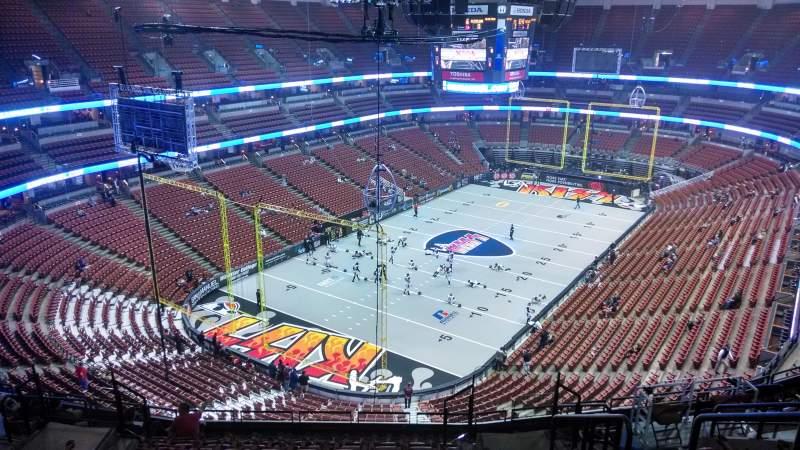 Honda Center, sección: 441, fila: N, asiento: 8