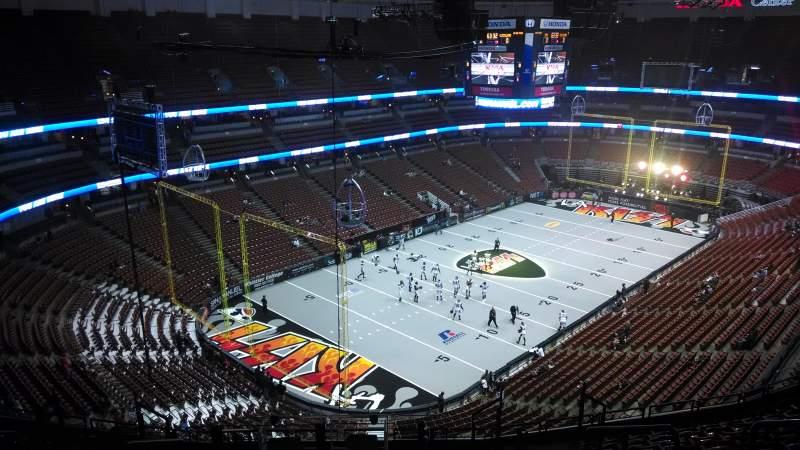 Honda Center, sección: 440, fila: N, asiento: 8