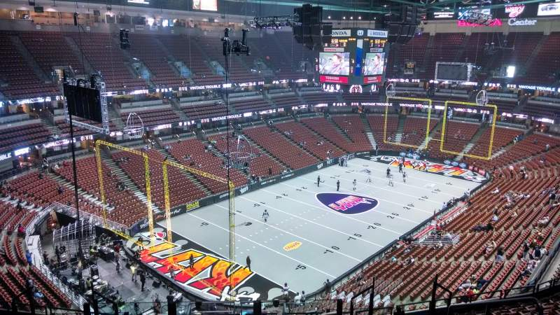 Honda Center, sección: 419, fila: M, asiento: 8