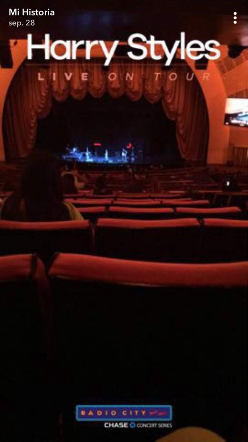 Radio City Music Hall, sección: 1ST Mezzanine 4, fila: K, asiento: 402