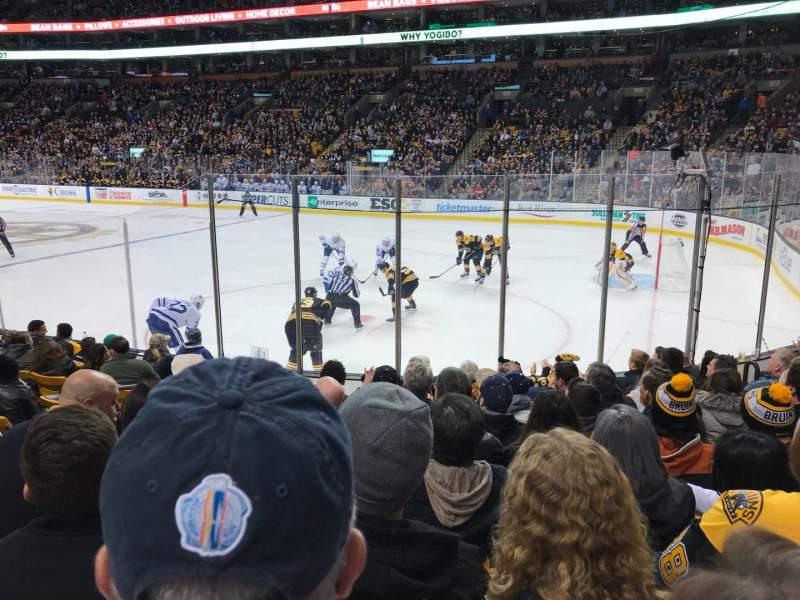 TD Garden, sección: Loge 9, fila: 10, asiento: 9