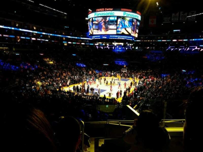 Staples Center, sección: 206, fila: 9, asiento: 7