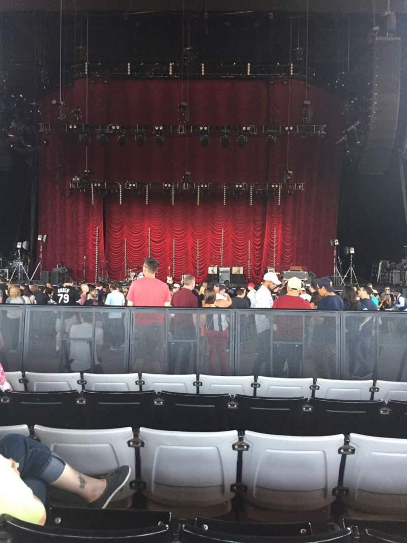 Vistas desde el asiento para Hollywood Casino Amphitheatre (Tinley Park) Sección 103 Fila X Asiento 18