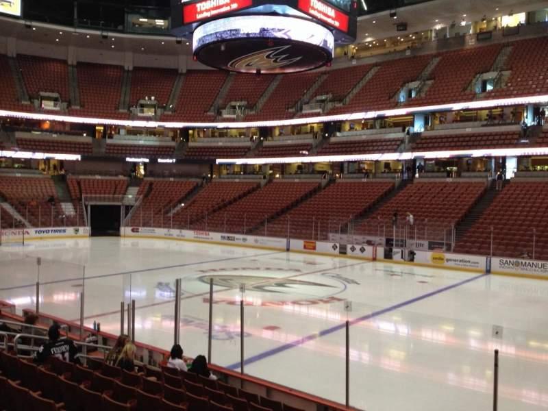 Honda Center, sección: 206, fila: K, asiento: 8
