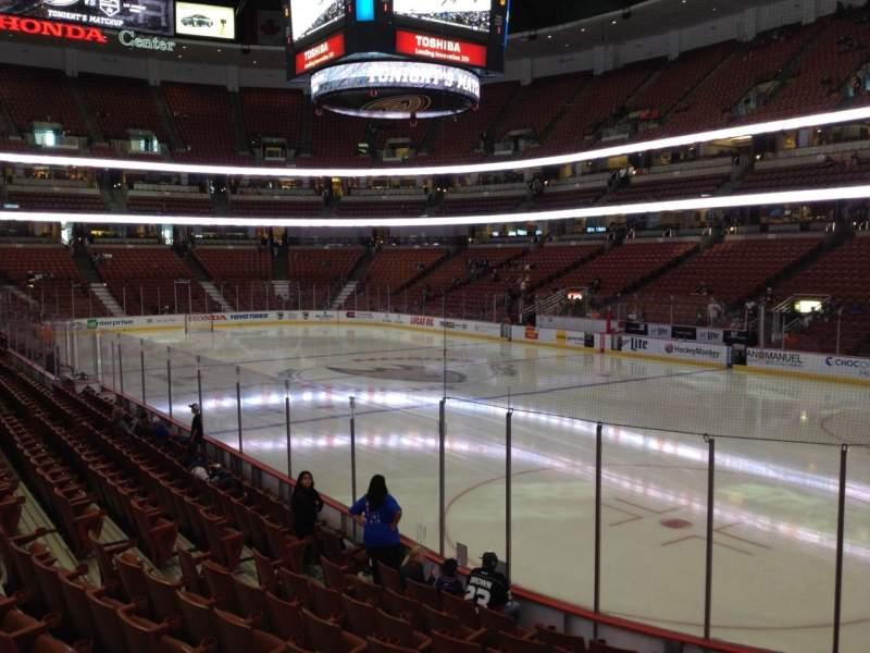 Honda Center, sección: 218, fila: K, asiento: 6