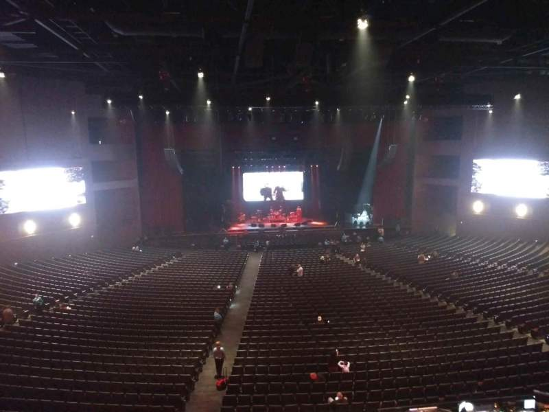 Microsoft Theater, sección: Lower Mezz center left, fila: B, asiento: 406